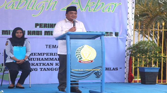 1._Wakil_Ketua_I_DPRD_Tanjungpinang,_Ade_Angga_menyampaikan_sambutan_dan_pujian_kepa.jpg