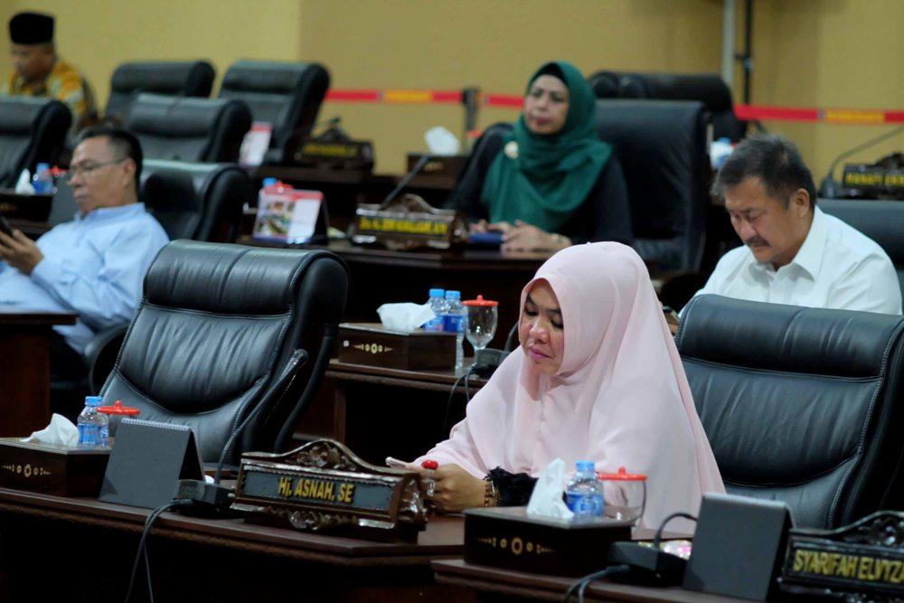 Sejumlah anggota DPRD Kepri hadir dalam pengesahan Perda Penyeleggaraan Pendidikan