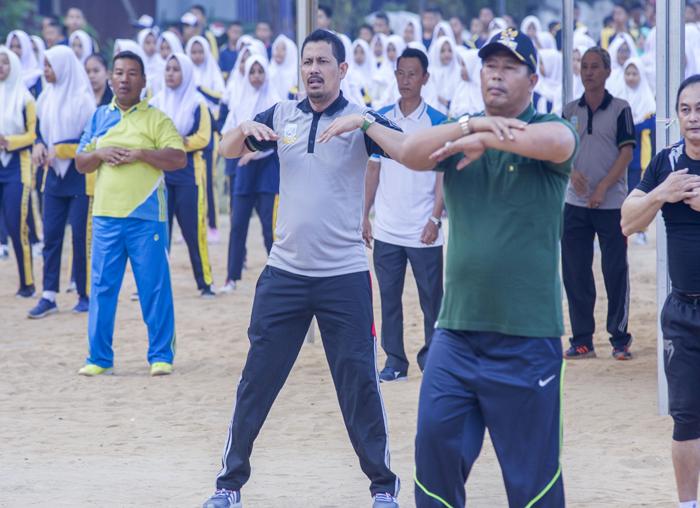 Senam bersama di lapangan Sulaiman Abdullah, Tarempa