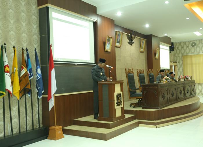 Bupati Anambas, Abdul Haris menyampaikan LKPJ tahun 2017