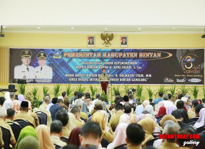 Bupati Bintan Apri Sujadi saat memaparkan hasil kerja selama tiga tahun ASRI memimpin Bintan