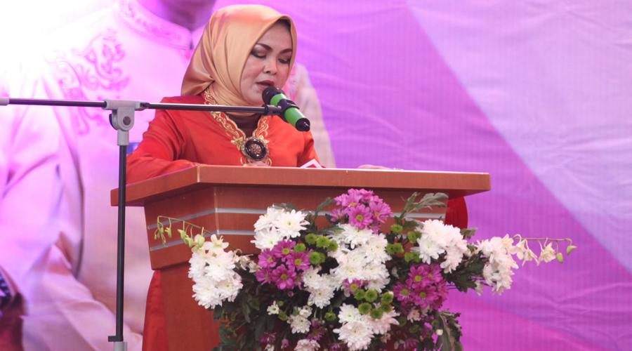 Ketua Dharma Wanita Persatuan (DWP) Kota Tanjungpinang, Ersa Famella Riono memberikan sepatah dua patah kata tentang Hari Kartini.