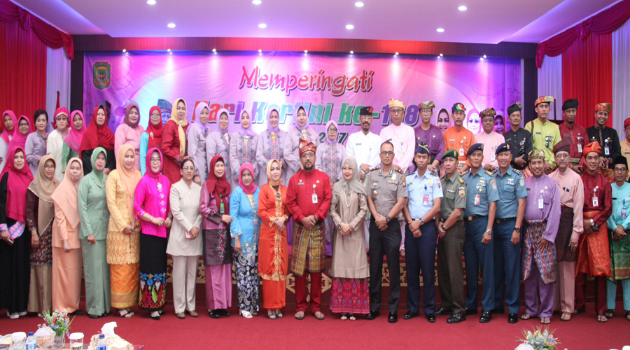 Wali Kota Tanjungpinang, Lis Darmansyah foto bersama seluruh jajaran Pemerintahan Kota Tanjungpinang dan jajaran FKPD.