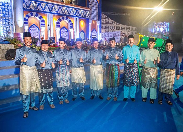 Wakil Bupati Anambas, Wan Zuhendra foto bersama dengan sejumlah pimpinan kabupaten-kota Kepri