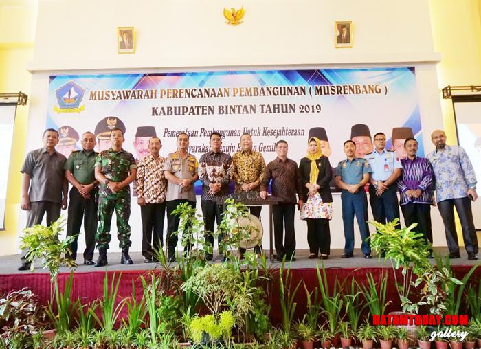 Foto bersama dalam acara Musrenbang Kabupaten Bintan