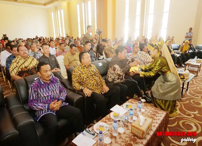 Tari persembahan sebelum Musrenbang Kabupaten Bintan dimulai