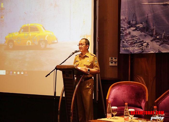 Kepala Dinas Penanaman Modal dan Perizinan Terpadu Provinsi Jawa Barat, Dadang saat menyampaikan sambutan