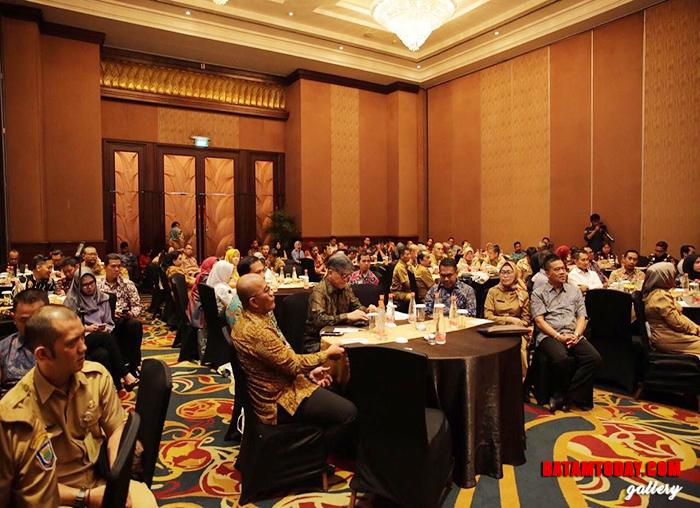 Suasana saat acara workshop serta sosialisasi Online Single Submisson (OSS) di Bandung, Provinsi Jawa Barat