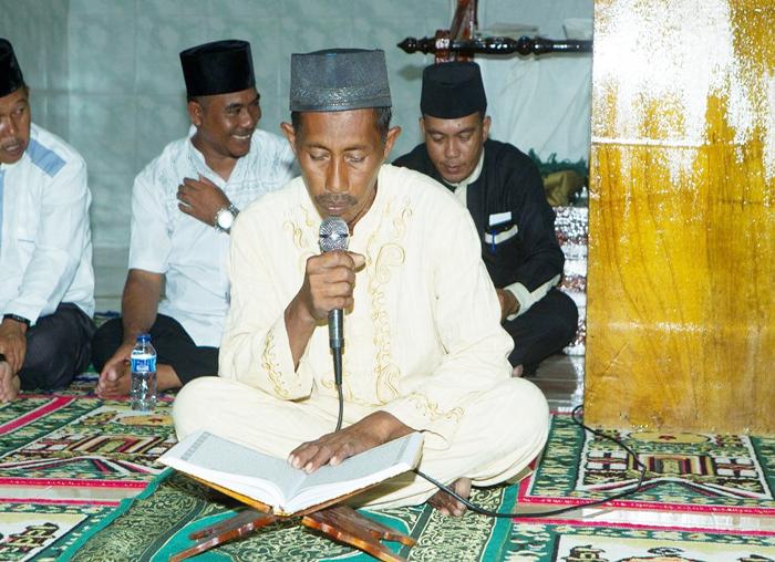 Pembacaan ayat al`quran oleh tokoh agama  Desa Impul