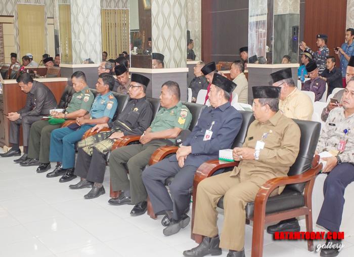 Instansi vertikal, Kepala OPD, Sekda, Tokoh Masyarakat menghadiri rapat paripurna