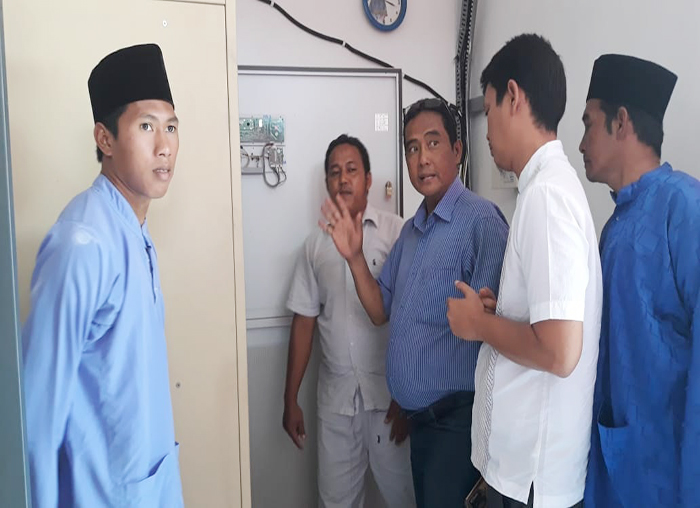 Anggota DPRD Anambas Muhammad Da`i dan Raja Bayu menampung keluhan masyarakat desa Batu Belah