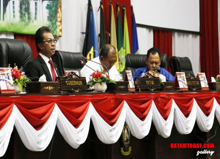Ketua beserta Wakil Ketua 1 dan 2 DPRD Kepri