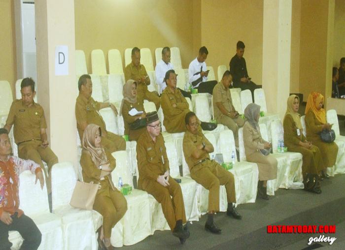 Pejabat Eselon III dan IV Provinsi Kepri yang hadir dalam sidang Paripurna DPRD kepri