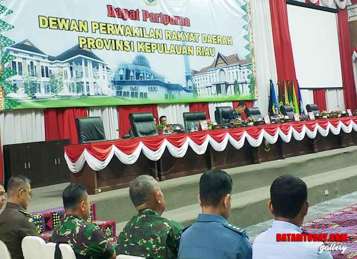Sidang Paripurna DPRD Kepri dipimpin satu Unsur Pimpinan DPRD Kepri