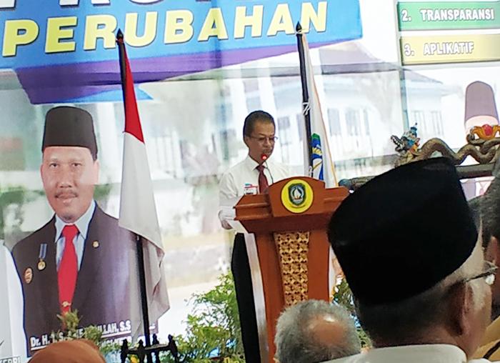 Ketua DPRD Kepri Jumaga Nadeak saat memberikan sambutan