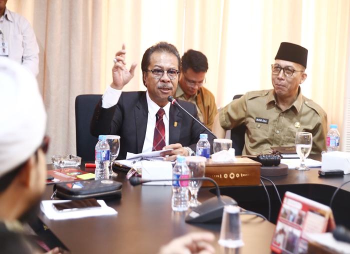 Ketua DPRD Kepri Jumaga Nadeak memberikan masukan terkait PPDB kepada para Kepala Sekolah