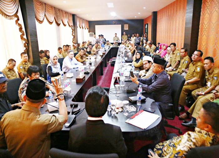 Selain Kepala Sekolah pertemuan juga turut dihadiri Pejabat Disdik Kepri