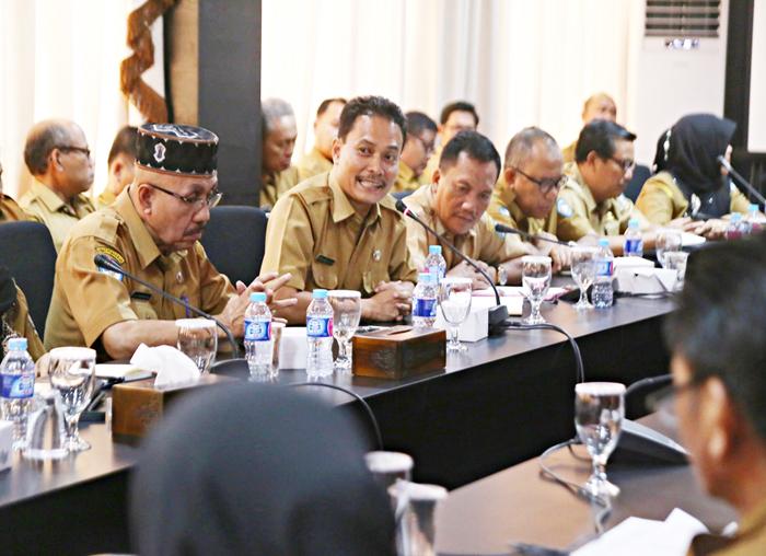 Perwakilan Kepala Sekolah menyampaikan  keluhan yang dihadapi pada pelaksanaan PPDB (1)