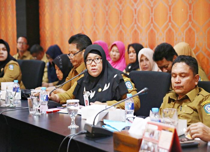Perwakilan Kepala Sekolah menyampaikan keluhan yang dihadapi pada pelaksanaan PPDB