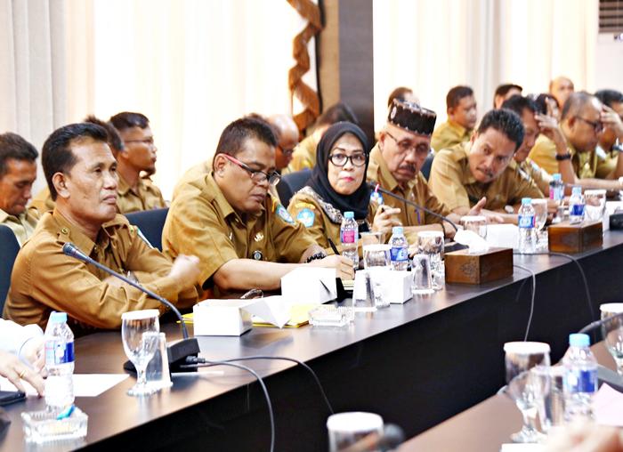 Pertemuan DPRD dan Kepala Sekolah