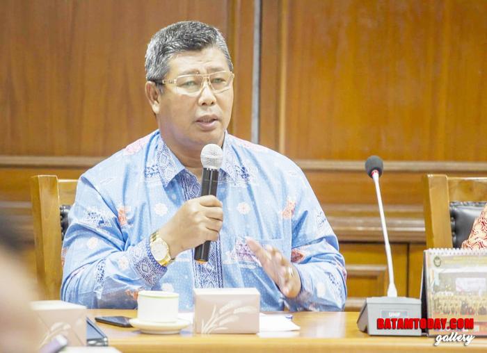 Bupati Anambas Abdul Haris saat mengikuti pertemuan di kementrian yang ada di Jakarta