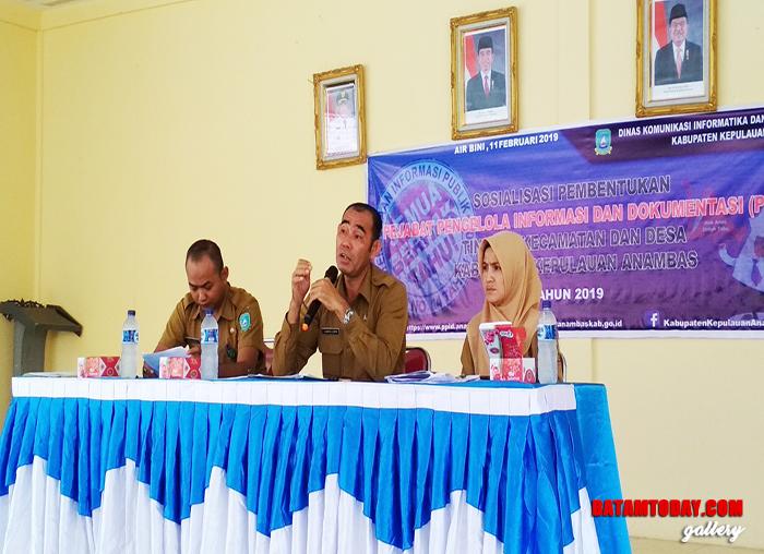 Sekretaris Dinas Komunikasi, Informatika dan Statistik Kabupaten Kepulauan Anambas, Hamka Lubis saat memberikan materi