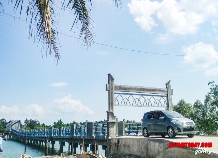 Jembatan Desa Pengujan