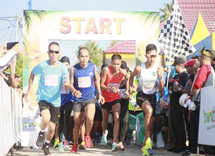 Kadispar Bintan, Luki Zaiman Prawira melepas peserta Event Eco Mapur Run 2018