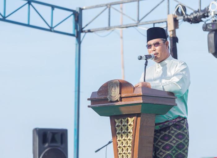 Bupati Kabupaten Kepulauan Anambas, Abdul Haris menyampaikan kata sambutan pada pembukaan Festival Padang Melang 2018