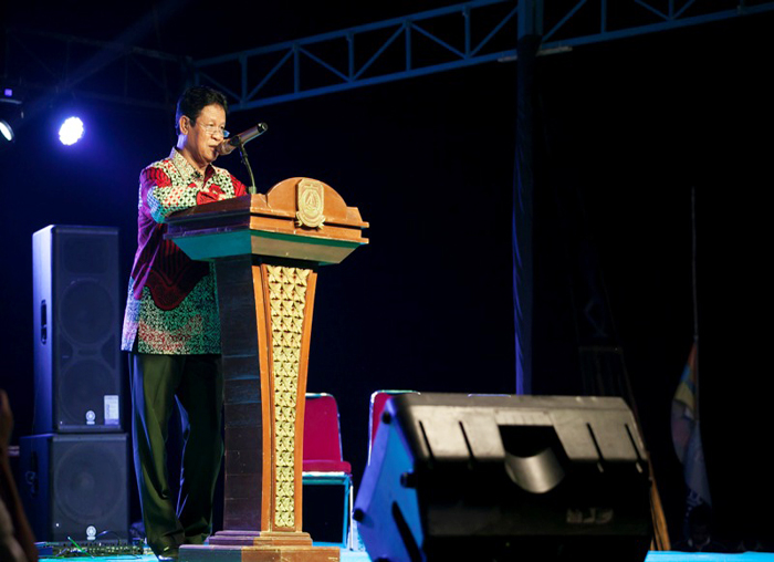 Wakil Gubernur Kepri, Isdianto menutup secara resmi Festival Padang Melang