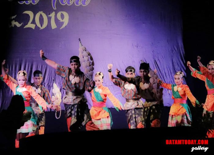 Peserta Festival Tari Bintan 2019 saat Menunjukan aksinya