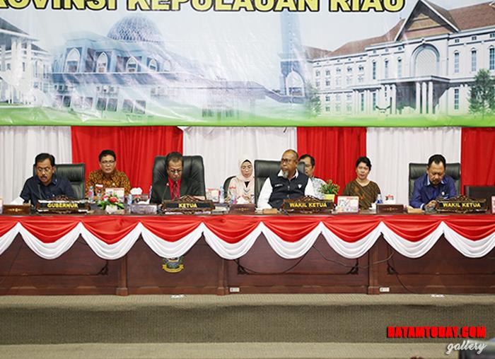 Rapat Paripurna Penyampaian Nota Keuangan dan Ranperda APBD Provinsi Kepri TA 2019