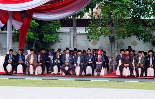 Segenap OPD Provinsi Kepri yang menjadi peserta Upacara HUT Kemerdekaan RI ke-72 di Gedung Daerah Tanjungpinang.
