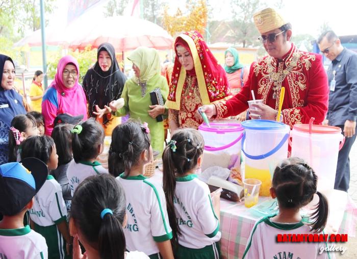 Bupati Bintan Apri Sujadi bersama peringatan Sumpah Pemuda 28 Oktober