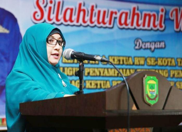 Plt Kepala Bagian Pemerintahan Sekretariat Daerah Kota Tanjungpinang Yanti saat menyampaikan laporan
