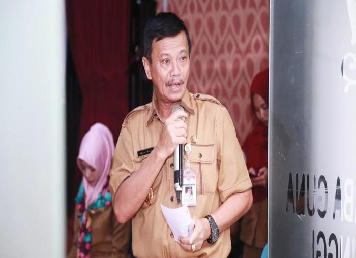 Pj.Wali Kota Tanjungpinang, Raja Ariza saat memberikan sambutan pada pemberian Insentif RT dan RW kota Tanjungpinang