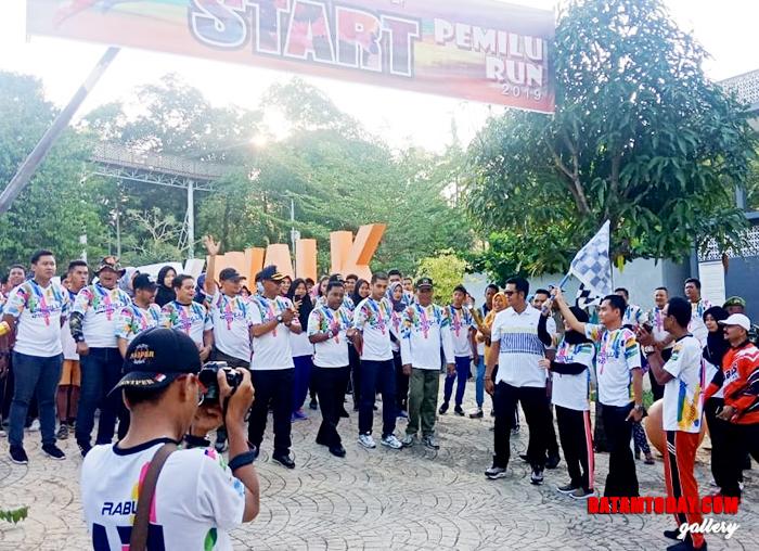 "Saat start jalan santai di acara ""Pemilu Run"" di Bintan"