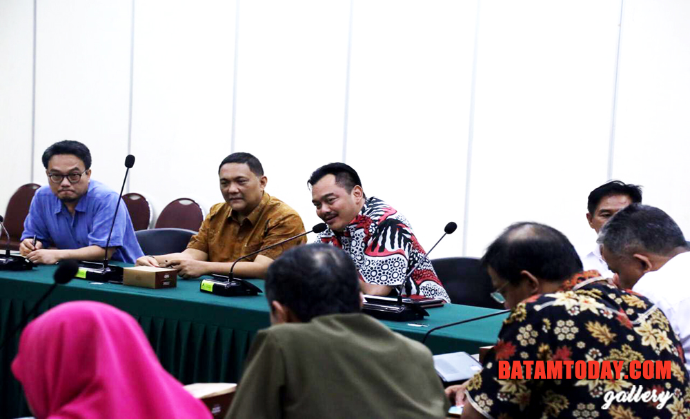 Komisi-III-DPRD-Kepri-Rapat-Bersama-BAPPENAS1.jpg
