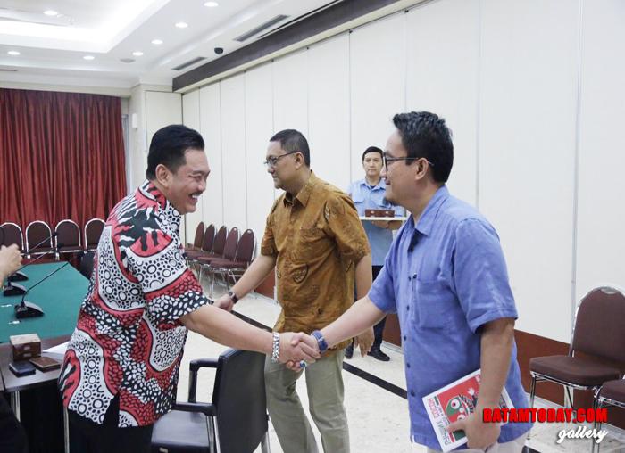 Ketua Komisi III Widiastadi dan anggota DPRD kepri lainya, saat disambut Direktur Pendanaan Bappenas Erwin dan Staf