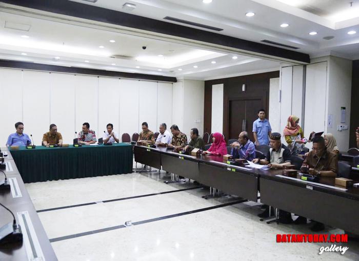 Suasana saat rapat Komisi III DPRD Kepri dengan Bappenas