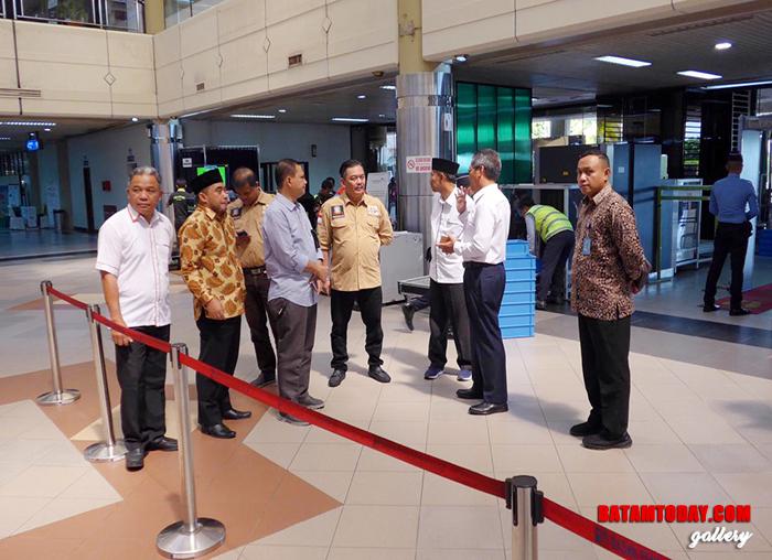 Komisi III DPRD Kepri saat berdialog dengan Kepala BUBU Hang Nadim Batam Suwarso