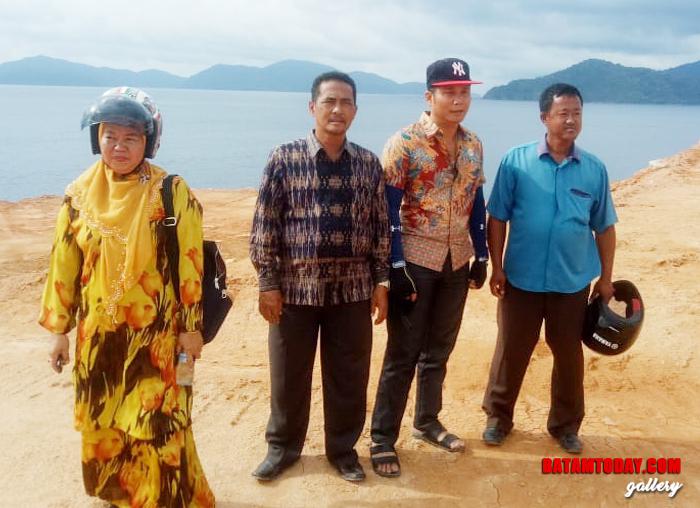 Anggota DPRD Komisi III Saat meninjau pembangunan Masjid Agung