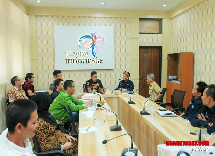 Anggota DPRD Anambas saat melakukan rapat koordinasi dengan Dinas Pariwisata Bandung