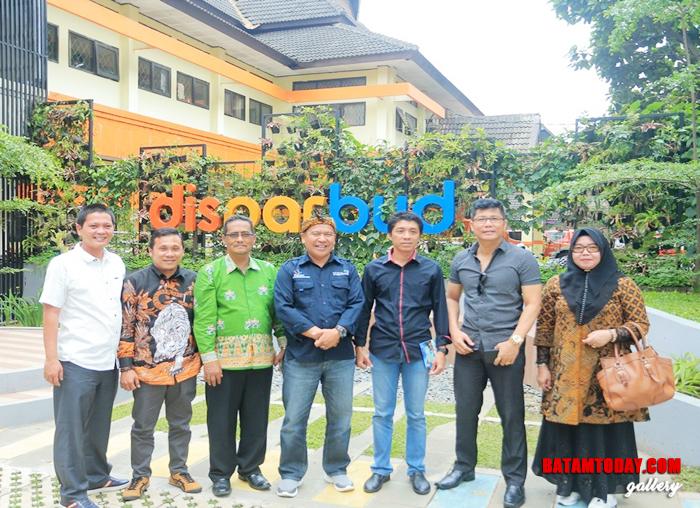 Anggota DPRD Kabupaten Kepulauan Anambas saat kunjungan kerja ke Bandung