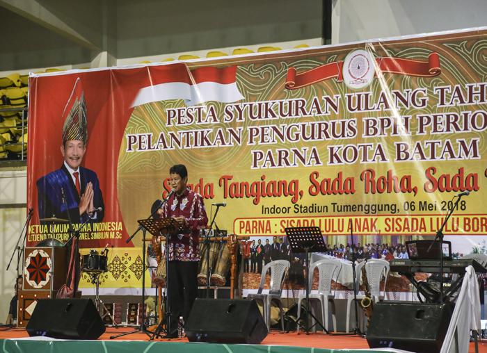 Wakil Gubernur Kepri H. Isdianto S.Sos.,M.M saat memberikan kata sambutan dihadapan 7 ribu warga Parna