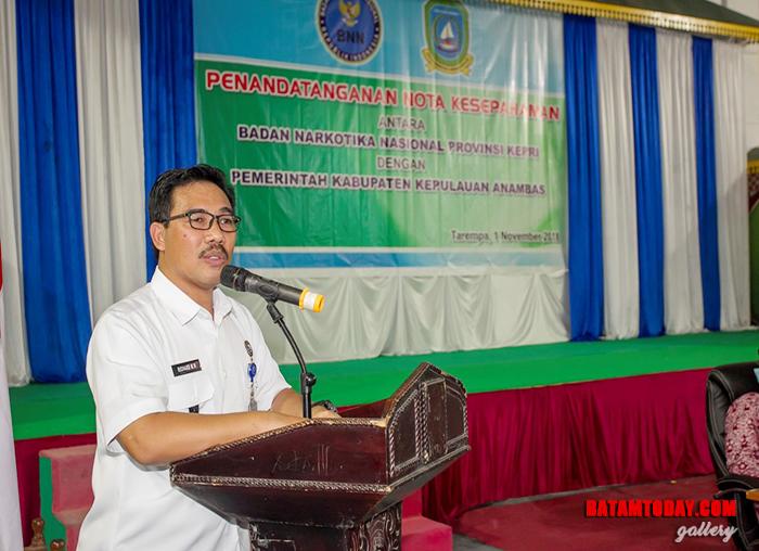 Kepala BNNP Kepri memberikan kata sambutan