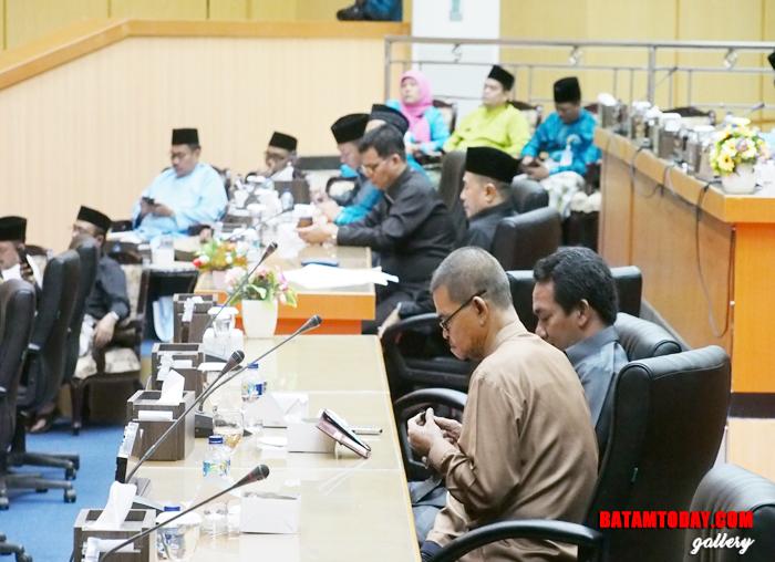 Suasana saat Rapat Paripurna di Kantor DPRD Bintan