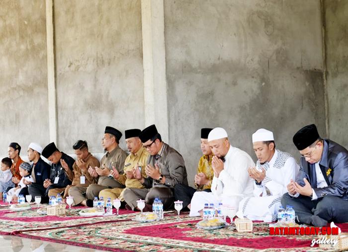 Suasana saat pembacaan doa dalam Pondok Pesantren Al Ikhsan