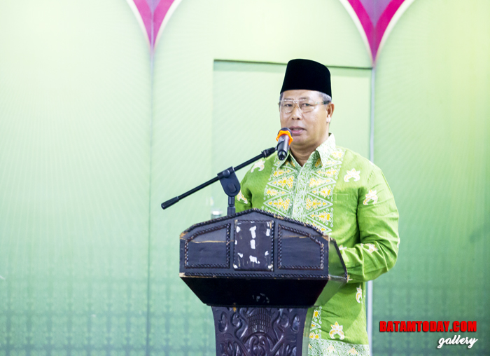 Abdul Haris memberikan kata sambutan dalam acara ramah tamah dengan Kerabat Anambas se-Dunia