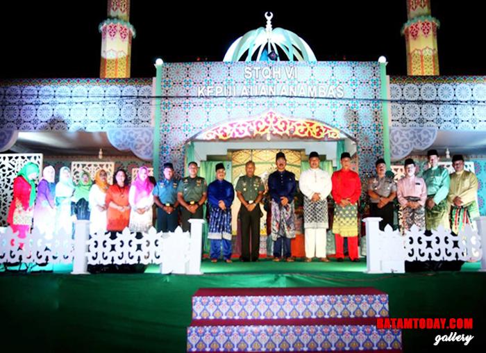 Gubernur Kepri, Nurdin Basirun foto bersama dengan Bupati Anambas, Abdul Haris, Ketua DPRD Anambas, Imran serta unsur Muspida Anambas